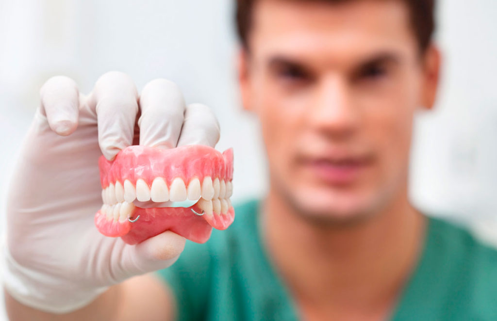 Нейлоновые зубные протезы